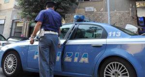 Prova a rapinare un poliziotto libero dal servizio